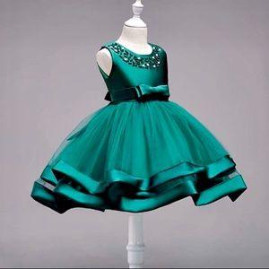 💚New! Green Satin Tulle Pearl Flower Girl Dress